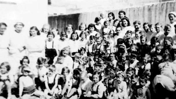 Aparece pintadas la Cruz Nazi en varios negocios de israelitas radicados en Bolivia